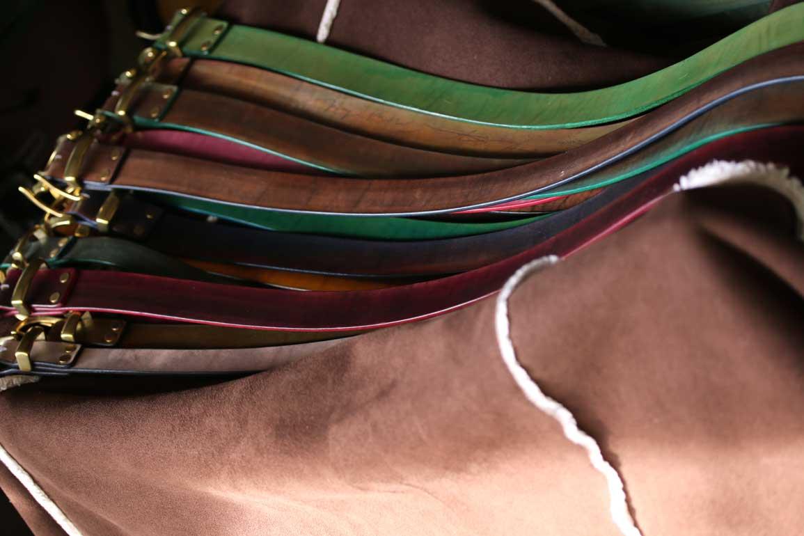 染色本革ベルト