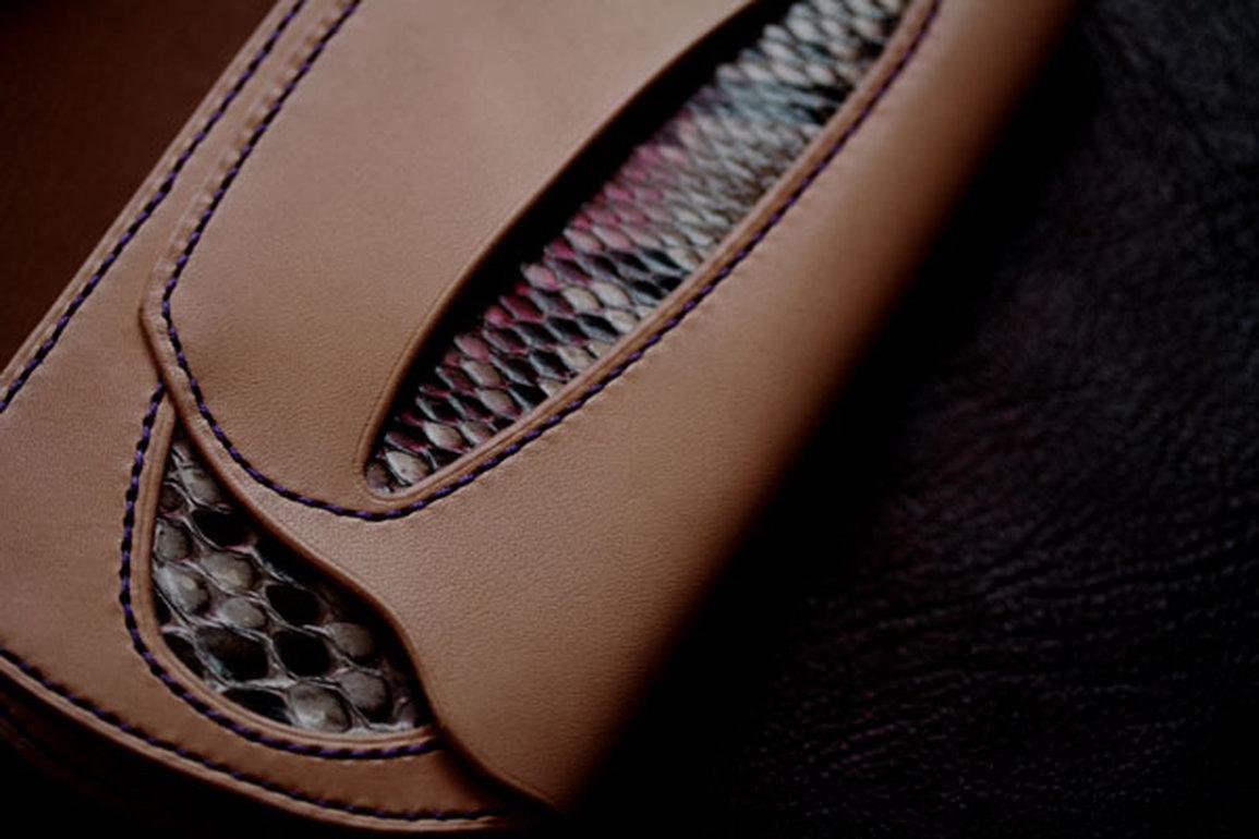 ダイヤモンドパイソン財布
