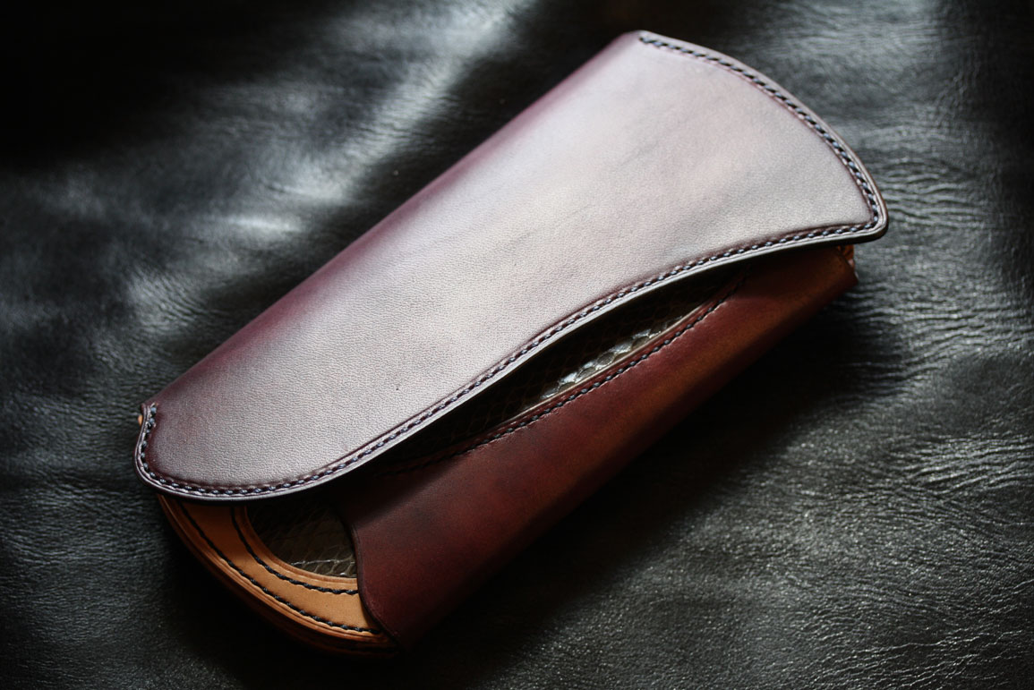 ワインレッド長財布