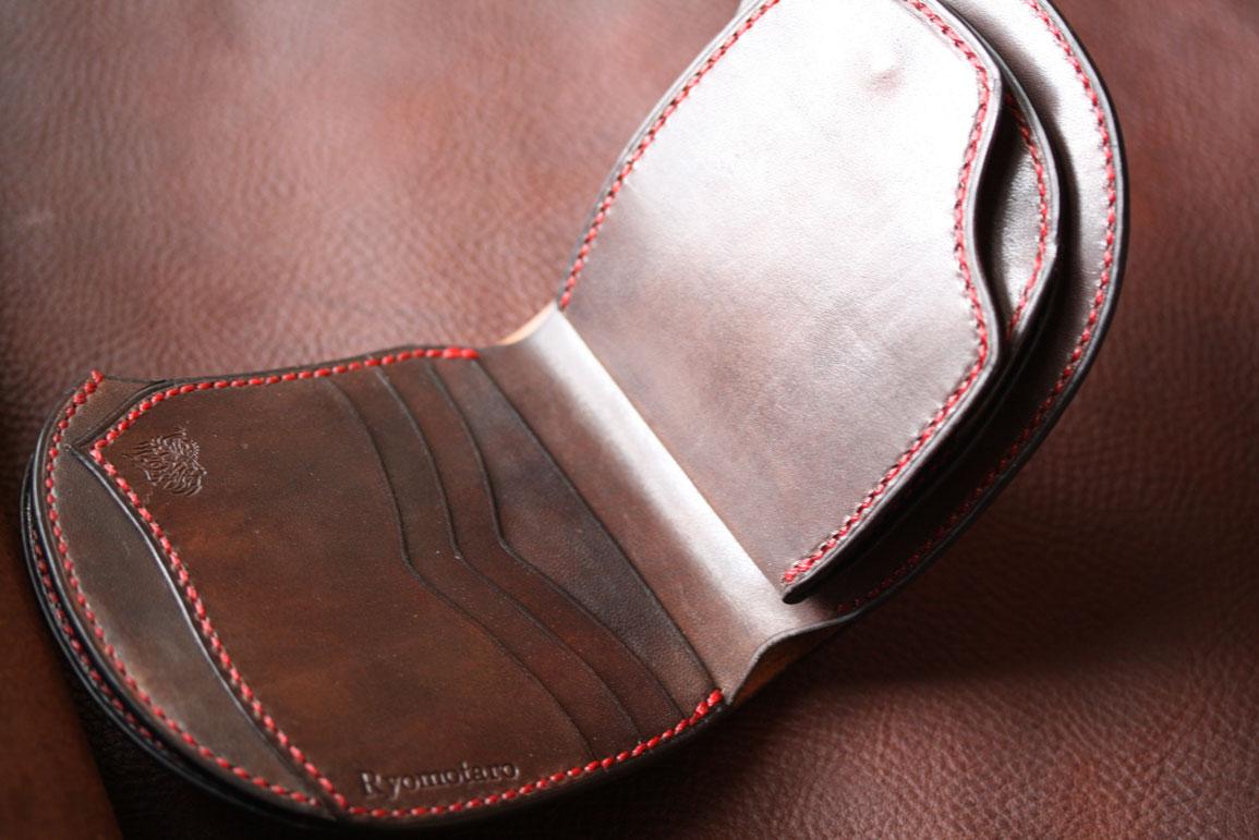 ブラウン赤い糸財布