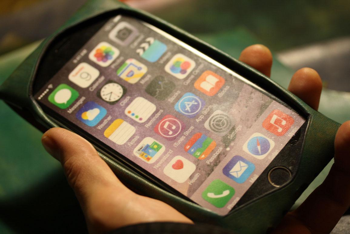 iPhoneシームレスケース