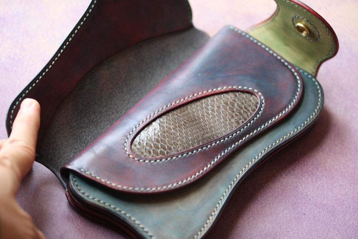 ダメージ染色アンティーク財布コブラインレイ