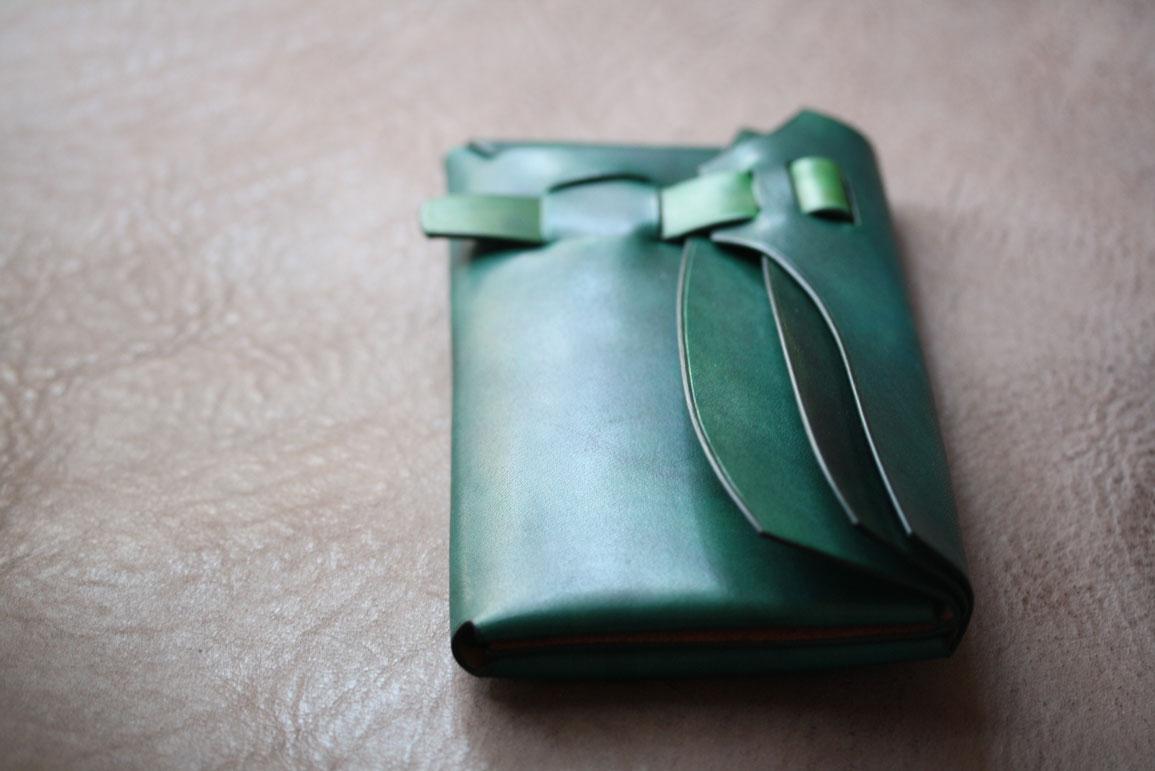 縫わないグリーン財布