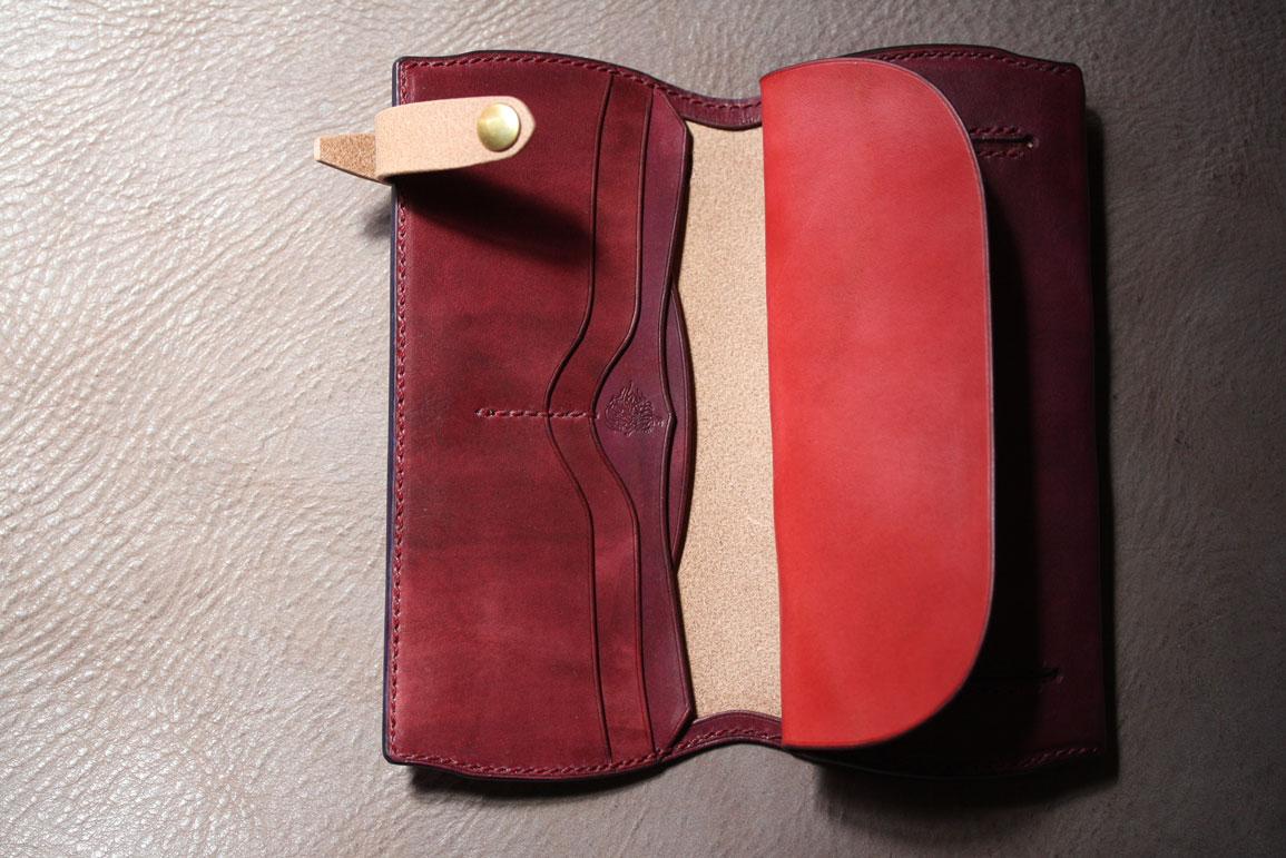 レッド財布