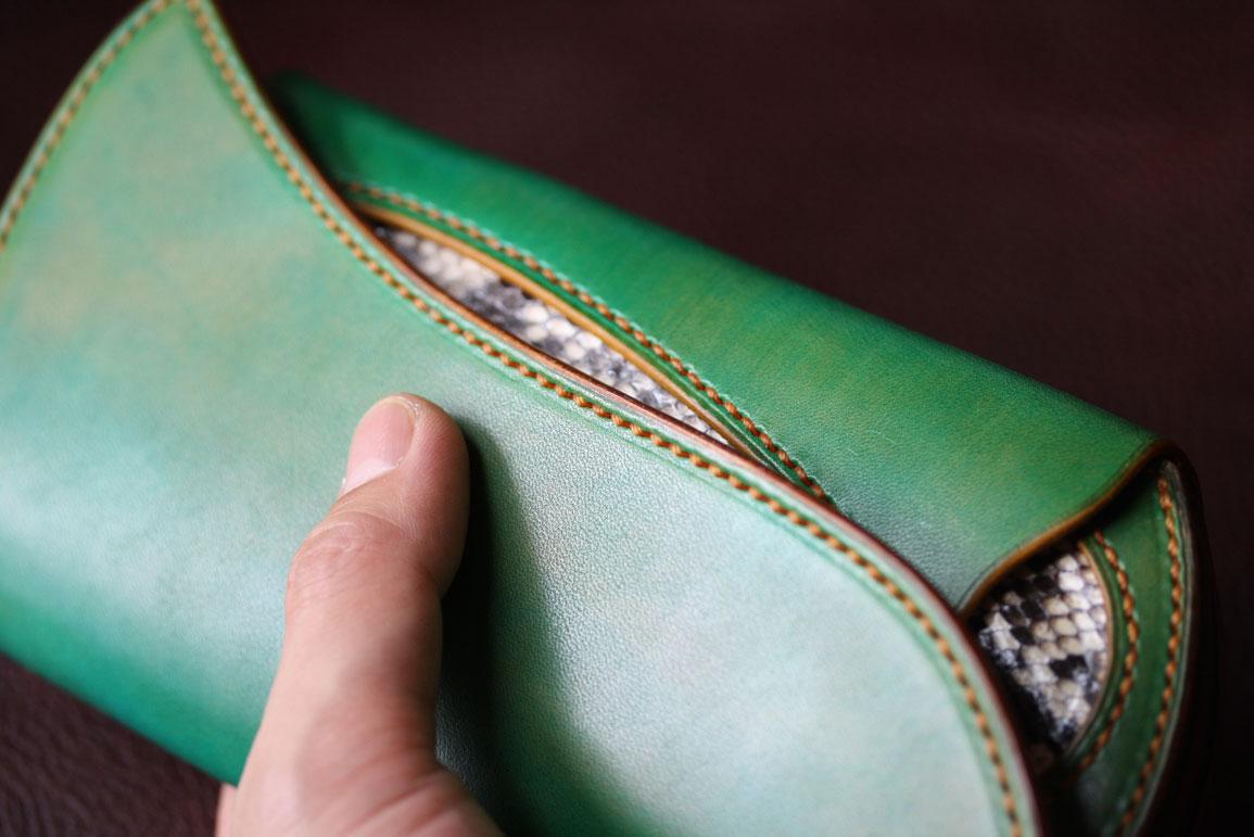 グリーンダイヤモンドパイソンインレイ財布