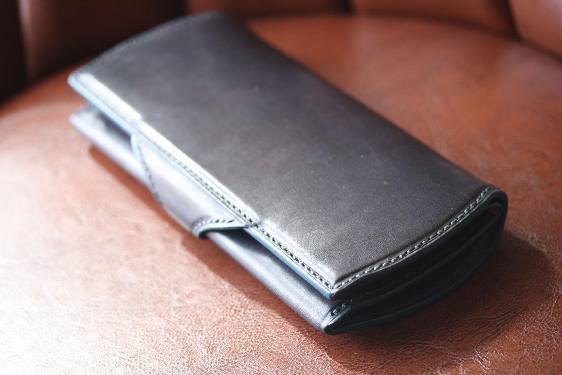 ブラックブルーベルト財布