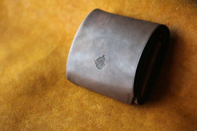 鉄媒染革コンパクト財布