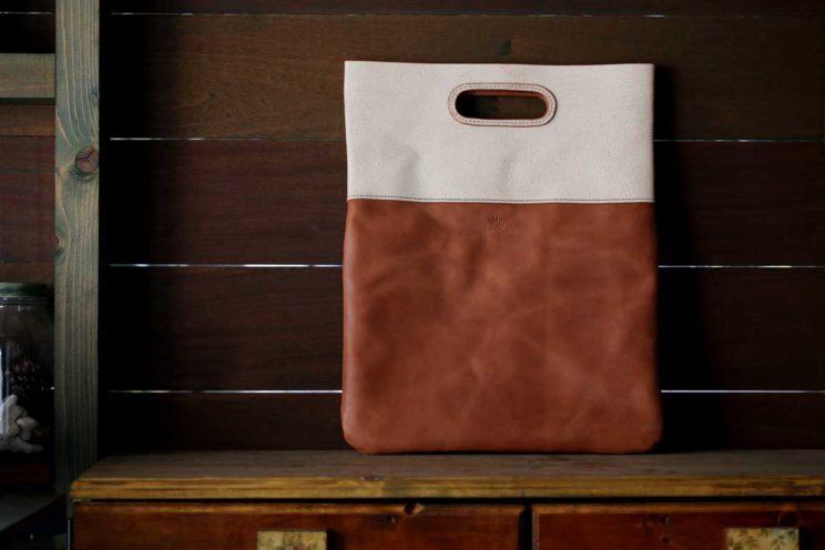 レザー染色クラッチバッグ