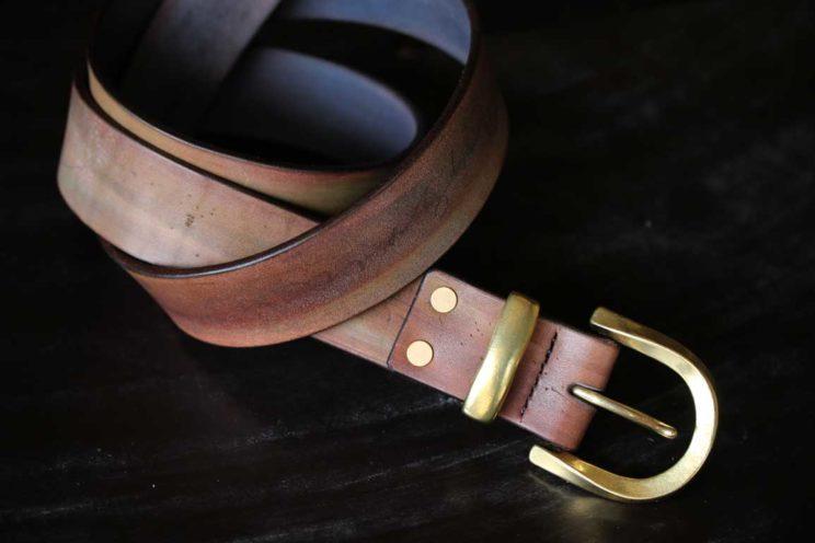 染色革ベルト