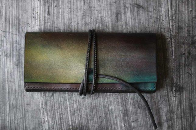 ブラックブルーゴールド紐財布