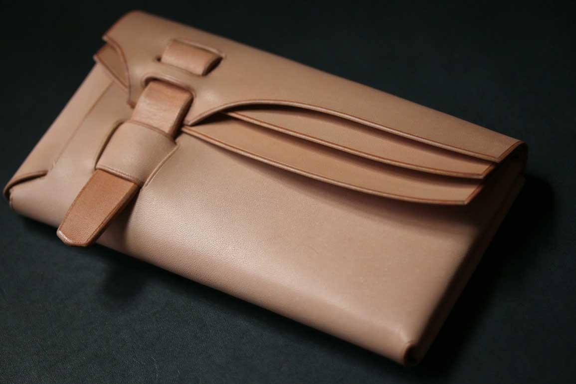 縫わない1枚革財布
