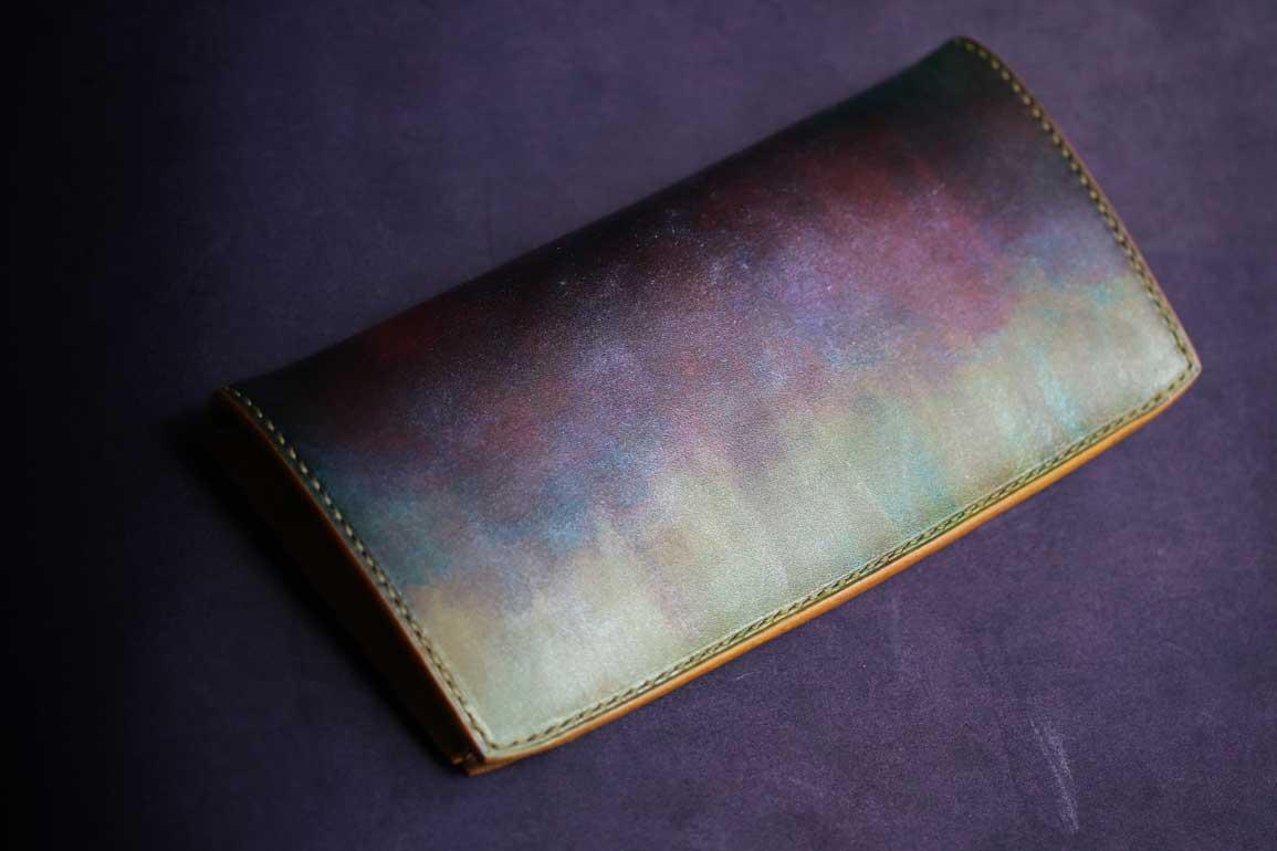 ボールペンインクミントカラー革財布