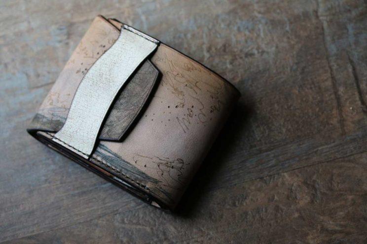 試し書きデザイン折財布