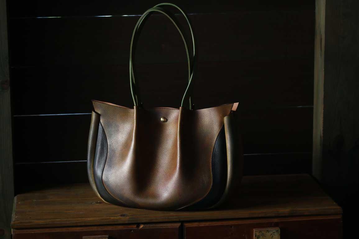 真鍮染色レザートートバッグ