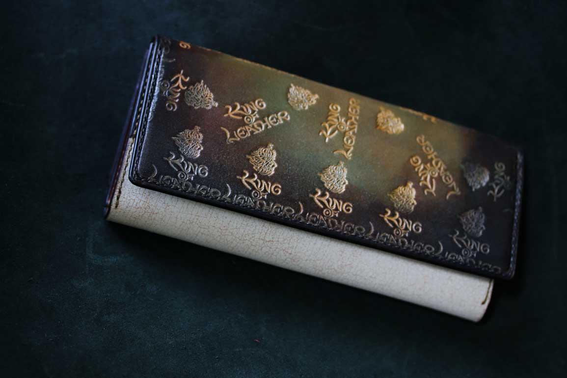 ブランドロゴ財布
