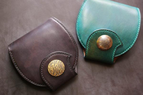 丸型折り財布ブラックゼブラコンチョ