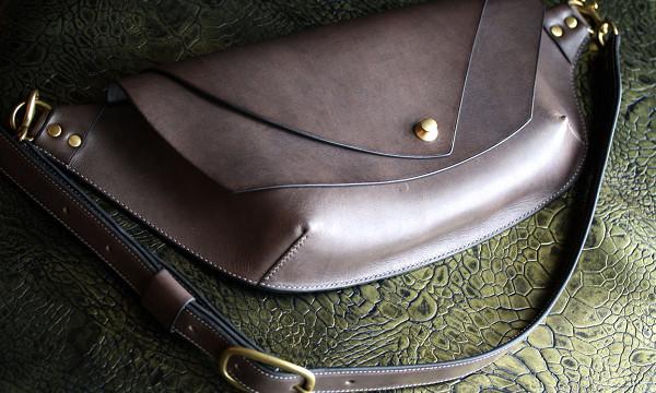 The Curve Shoulder Bag ブラック