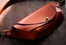 The Curve Shoulder Bag レッド