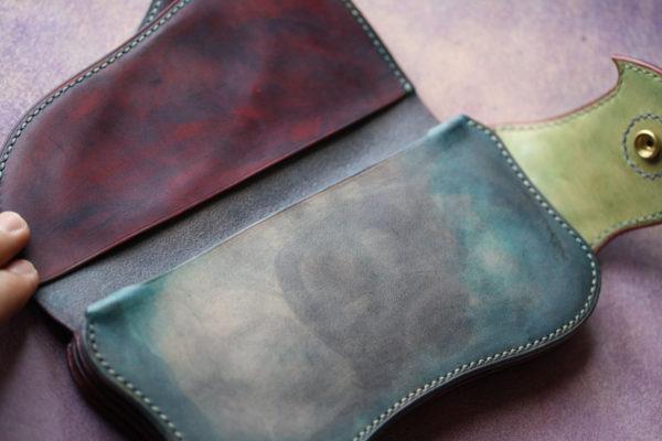 手染めレザー財布