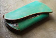グリーンパイソン財布