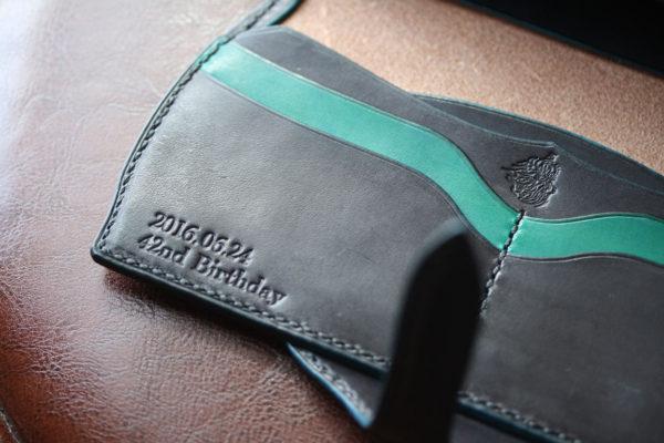 ブラックブルー財布