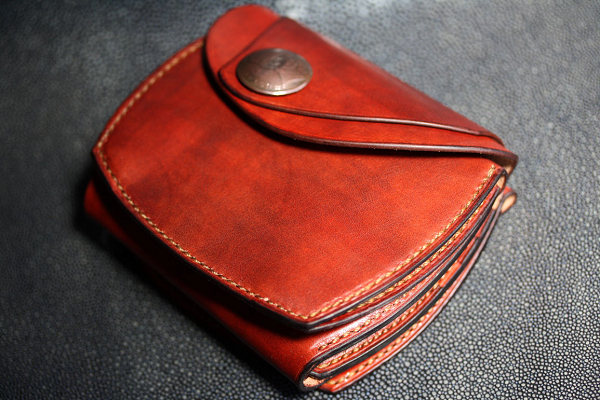 The Wing of beetle wallet レッド