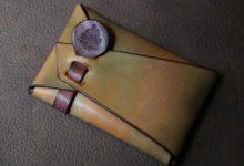 The SAI Cardcase ゴールデンキャメル×ワインレッド