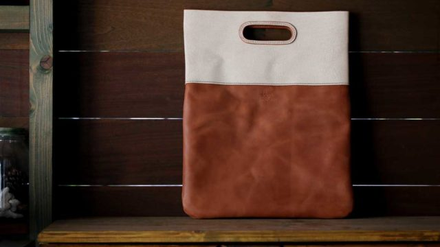 New York Clutch Bag ホワイト×ベージュ