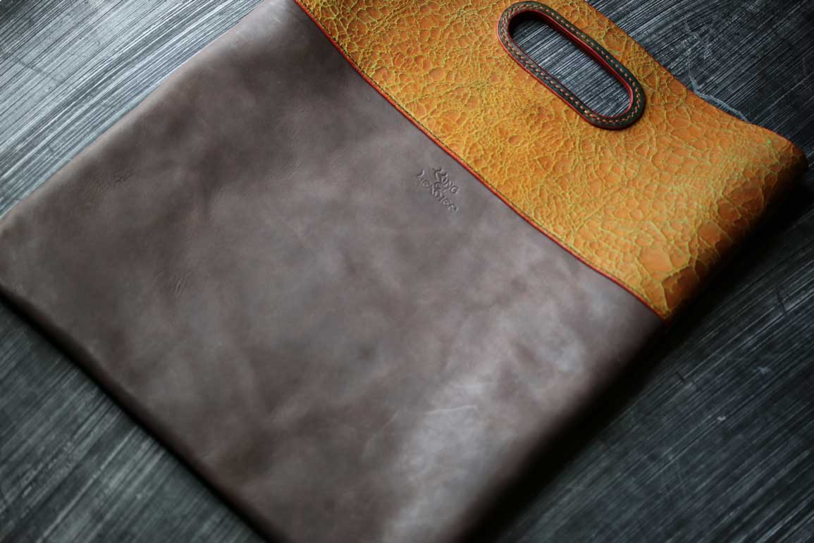 個性的袋型クラッチバッグ