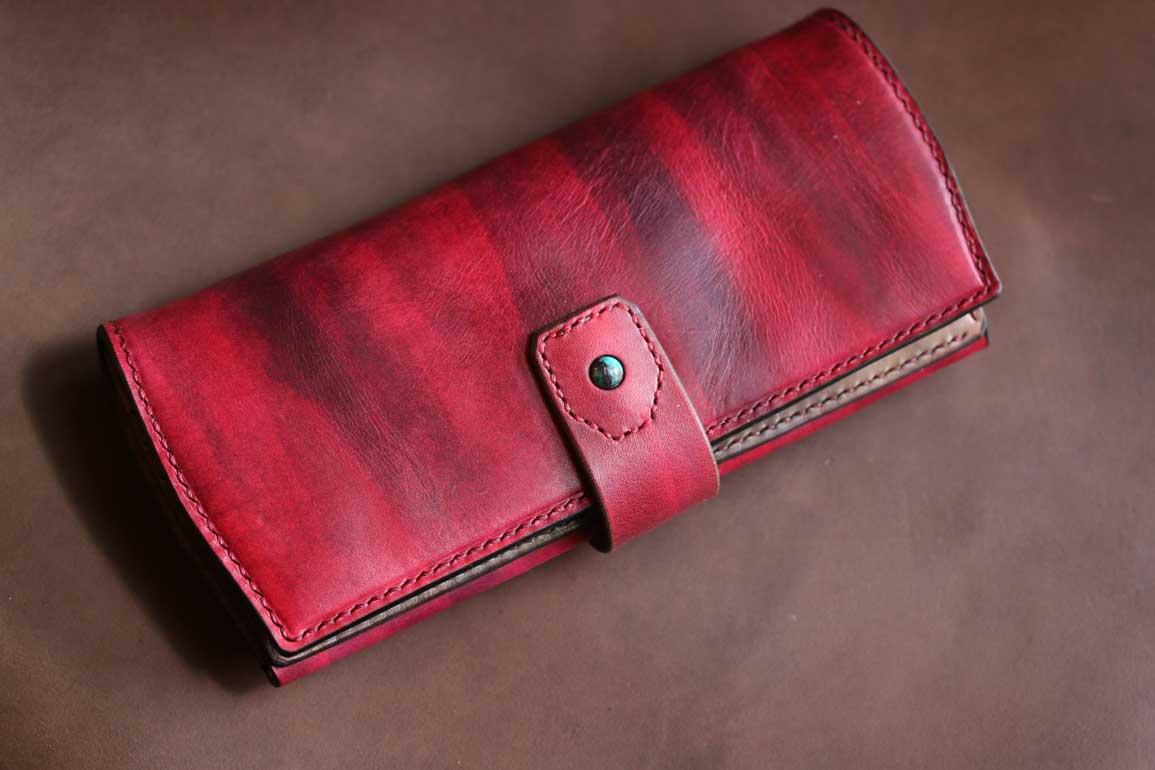 赤い財布ターコイズ付き