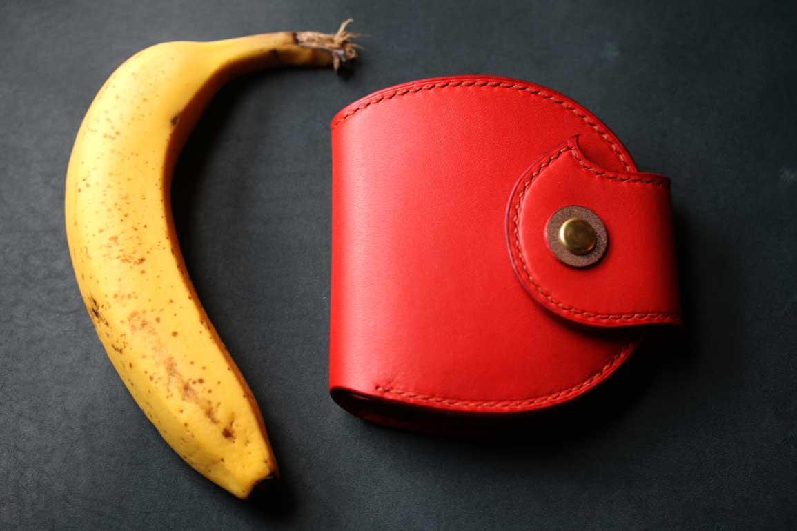 りんご丸型赤財布