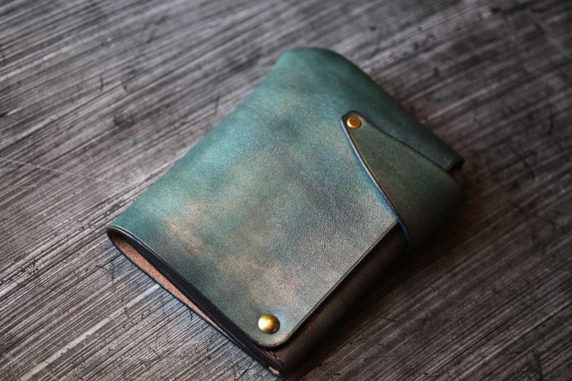 メタリックブルーコンパクト回転財布