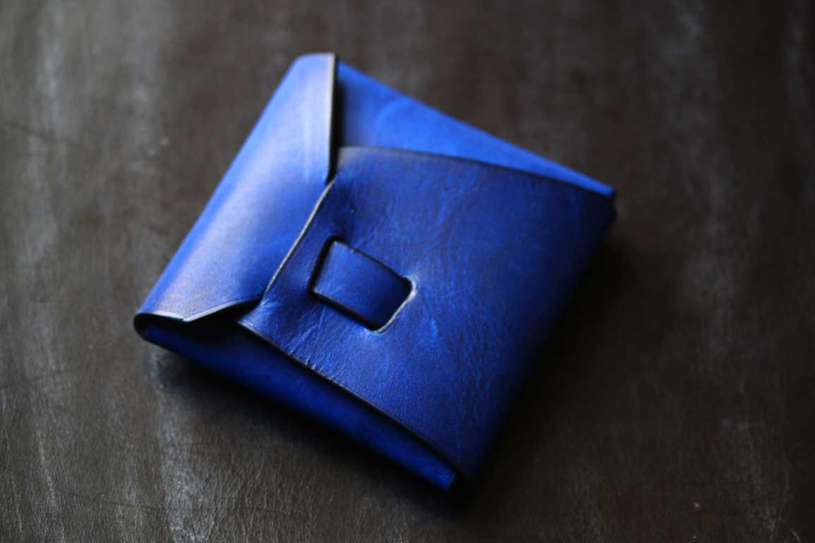 縫わないシームレスコインケースブルー