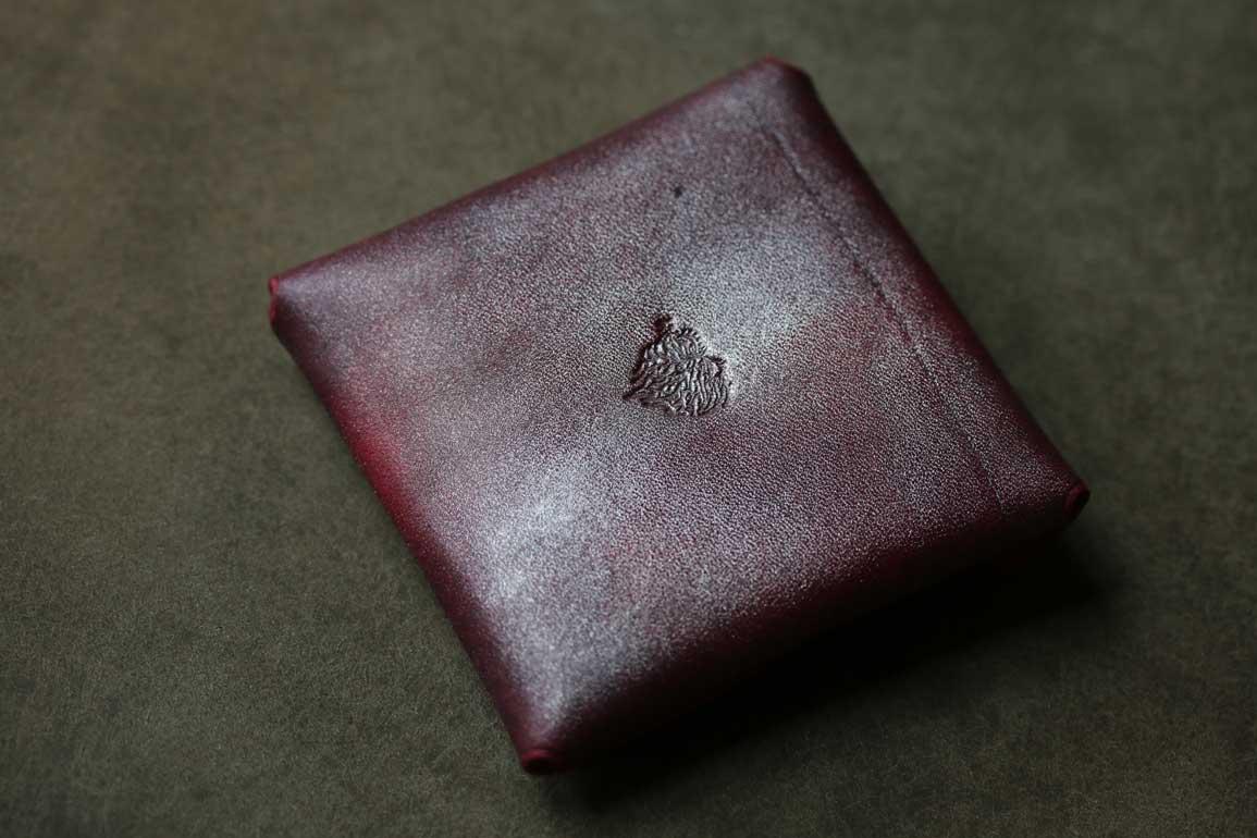 縫わないシームレスコインケース