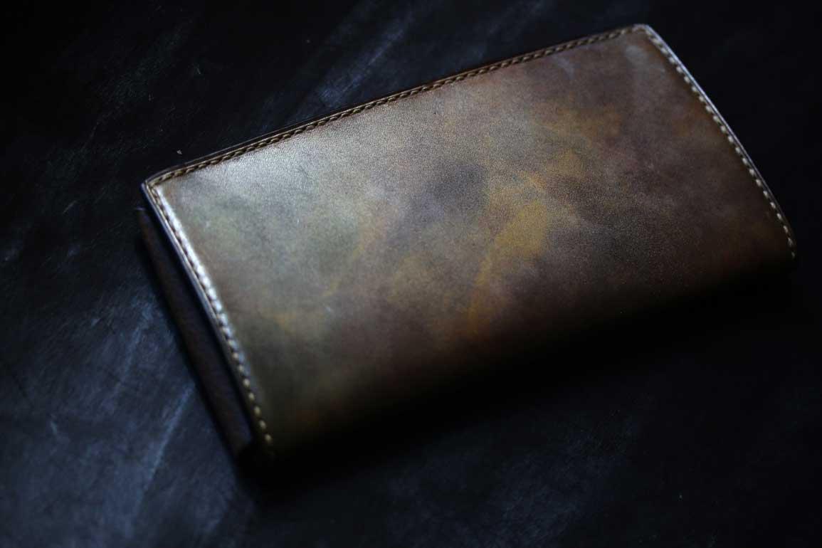 薄い長財布光るゴールド染色