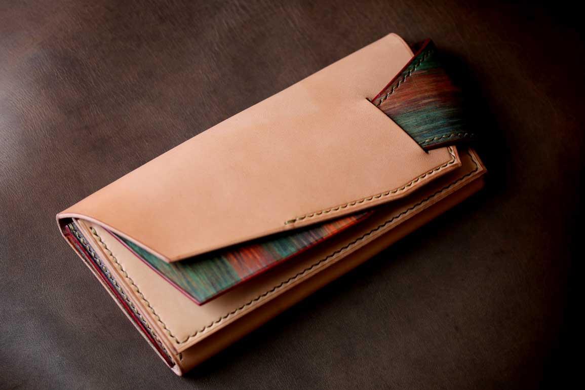 サメロングウォレットナチュラル生成ヌメ木目調染色革財布