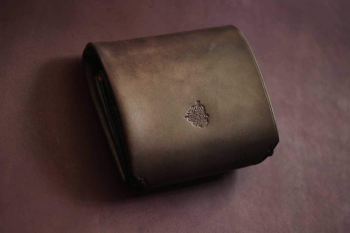 コンパクトブラックレインボー財布