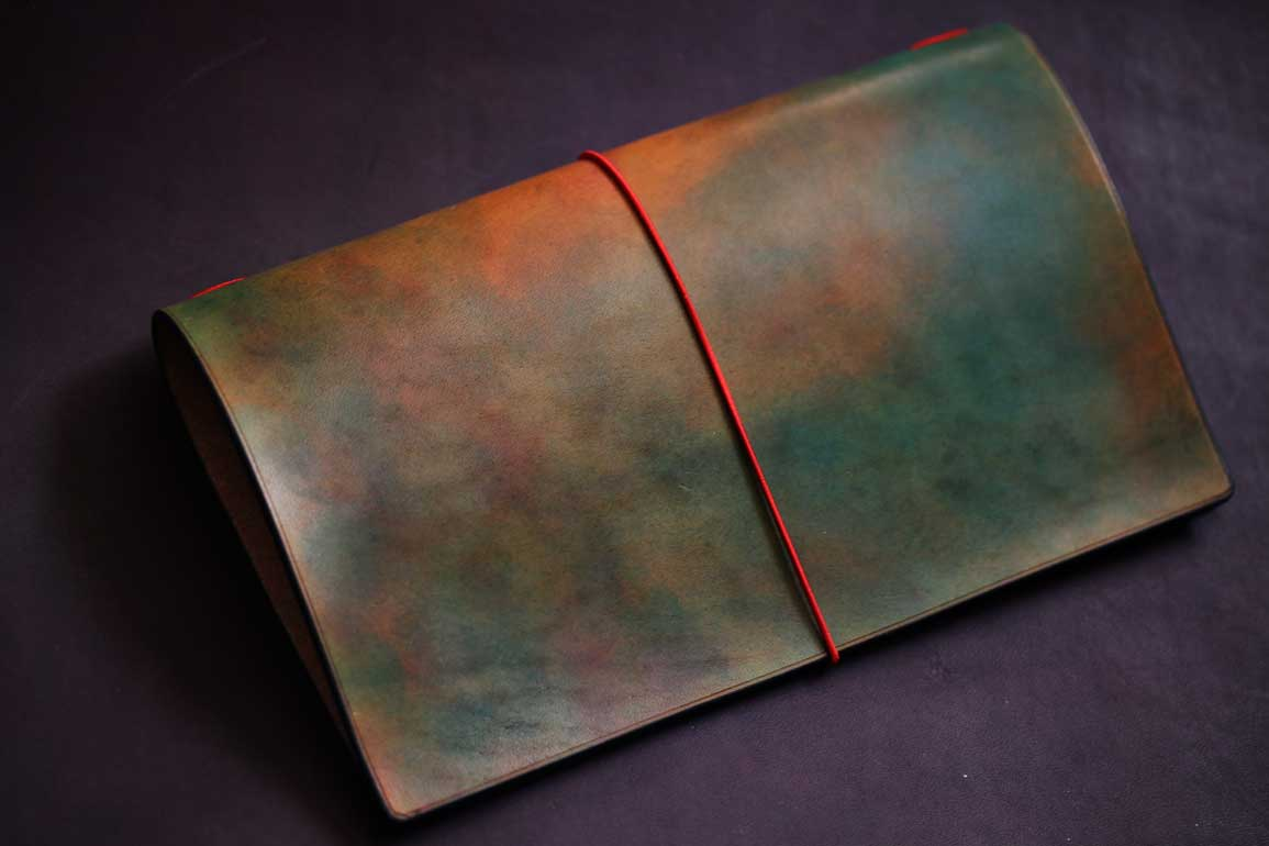枯れ葉染色トラベラーズノートカバー
