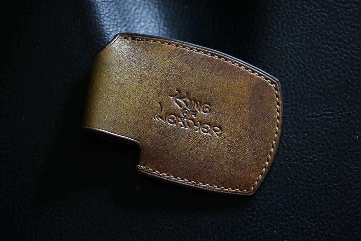 ミンティアレザーケースゴールド染色